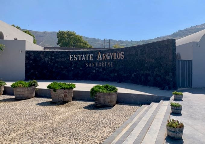 Estate Argyros sign