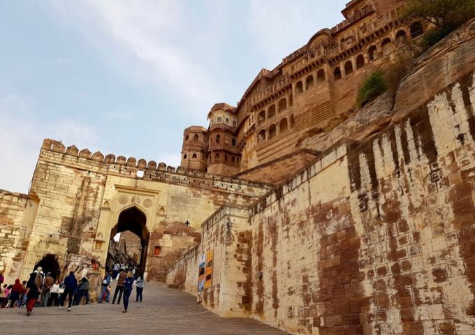 It's advisable to visit the fort early in order to beat the crowds.