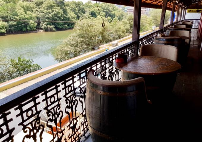 The superb Riverfront Restaurant serves great meals and drinks.