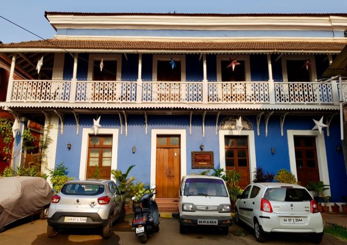 Review of Hospedaria Abrigo de Botelho Hotel in Goa, India.