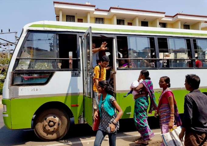 Buses connect to Cavelossim, Mobor Beach, and Margao.