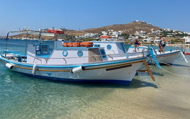 Water taxi between the beaches of Mykonos