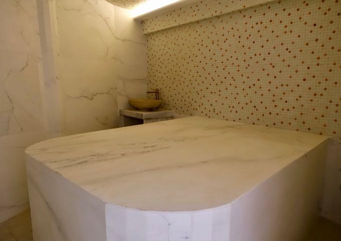The spa has a hammam.