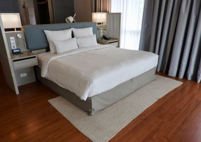 Deluxe Suites have king beds.