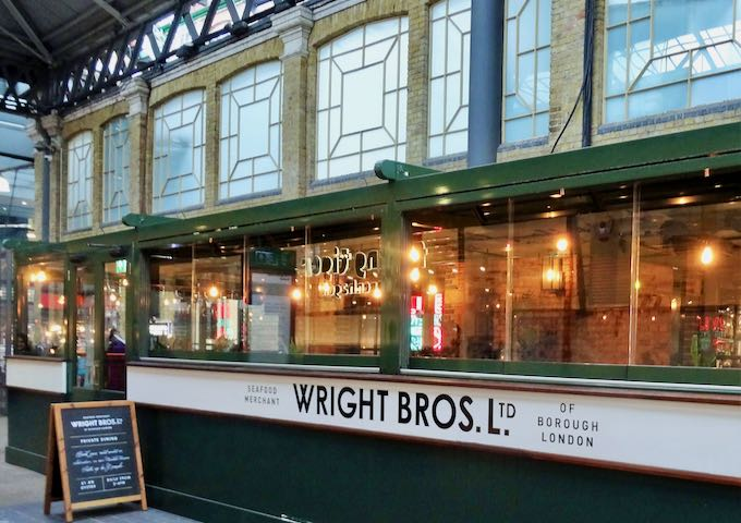 Wright Brothers' happy hours include oysters.