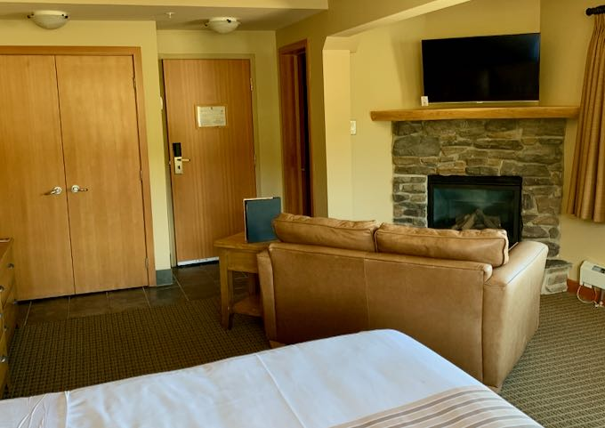 The suites feature fireplaces and sofas.