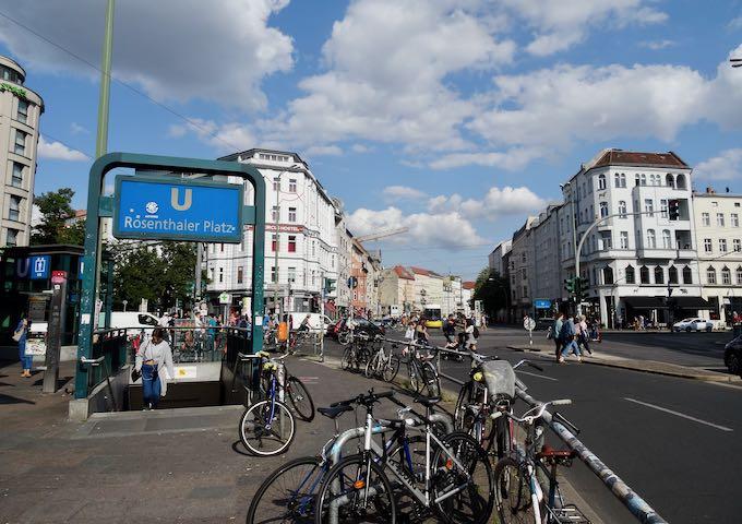 Rosenthaler Platz U-Bahn station is just a minute away.