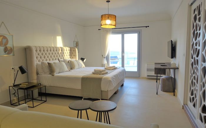 Master bedroom of the Sapphire Suite