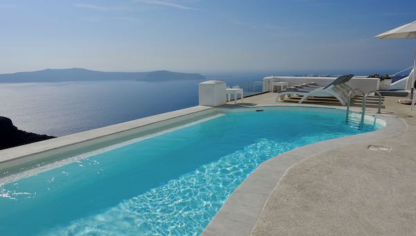 The infinity pool at Tholos Resort in Imerovigli