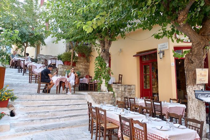 Psarras Taverna in the Plaka