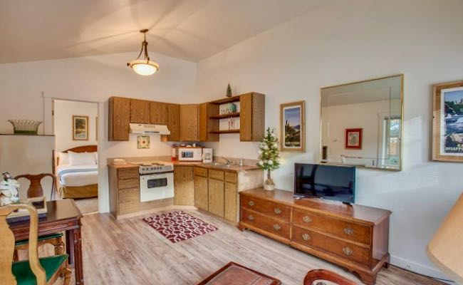 Leavenworth apartment rental with kitchen and living room.