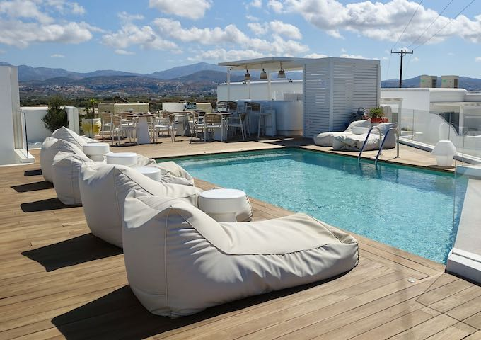 18 Grapes Hotel near Agios Prokopios Beach in Naxos