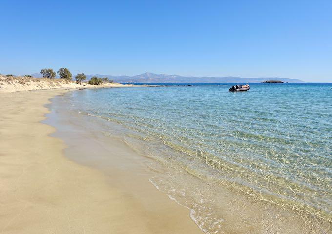 Nea Chrissi Akti, New Golden Beach, in Paros
