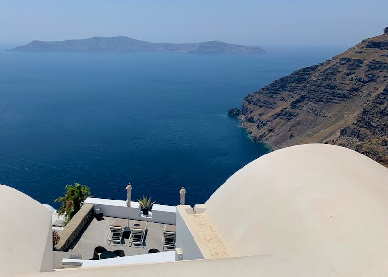5-Star Hotel with Caldera View.