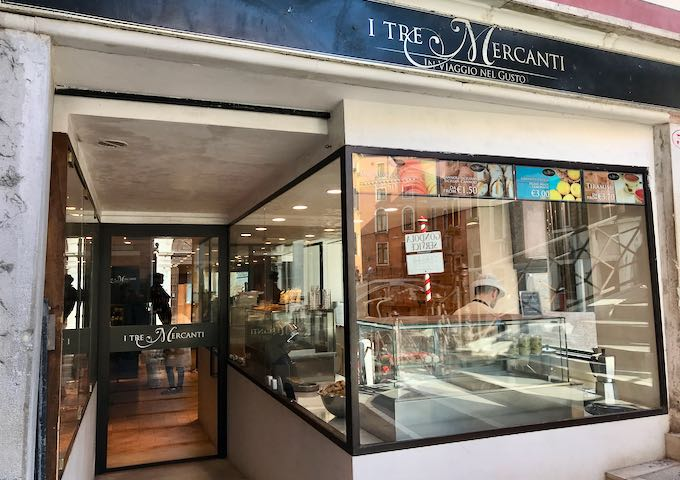 I Tre Mercanti is a gourmet food store by the canal.