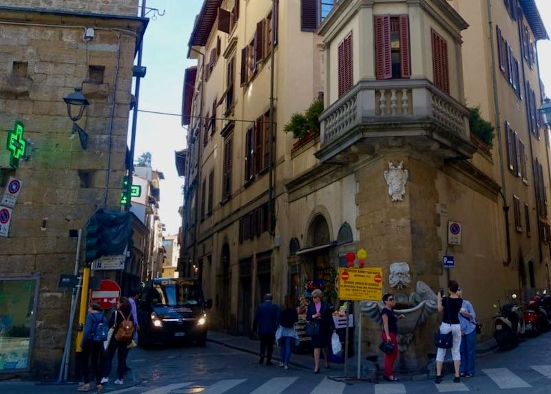 Borgo San Jacopo shopping street in Florence