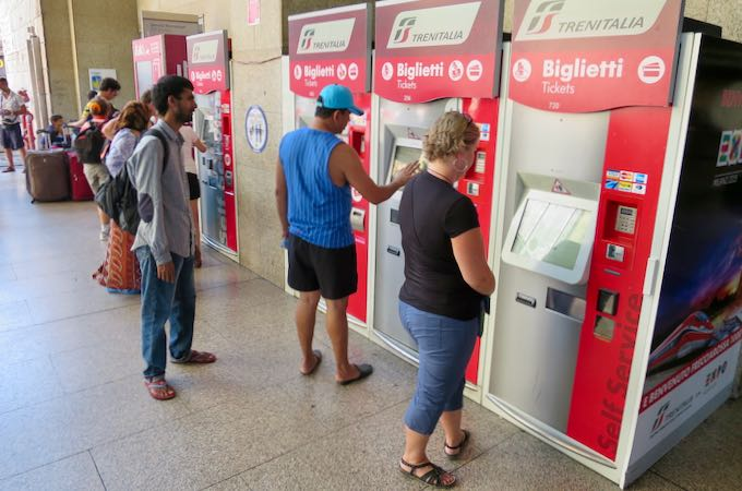 How to buy train tickets in Italy.