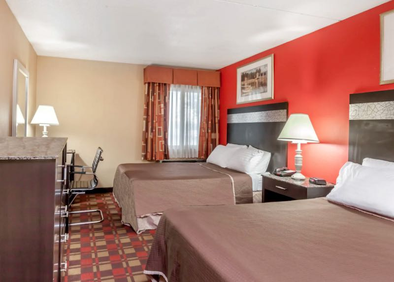 Cheap hotel near Newark Airport.
