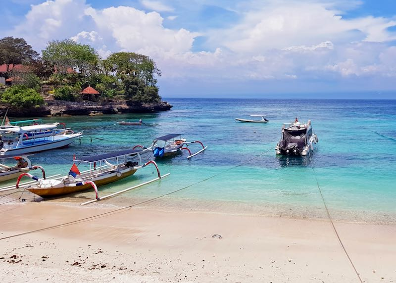 Beach hotels in Nusa Lembongan.