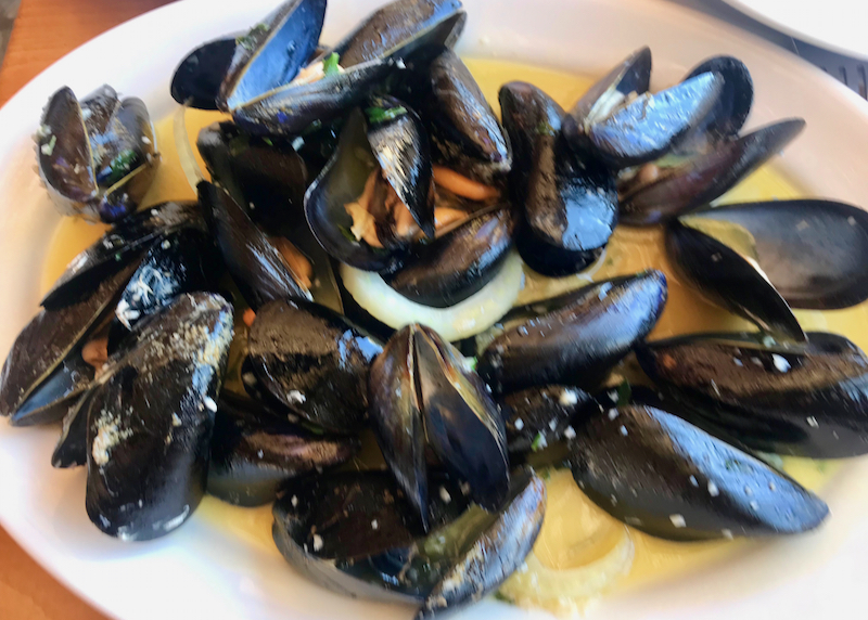 mussels at the tavern