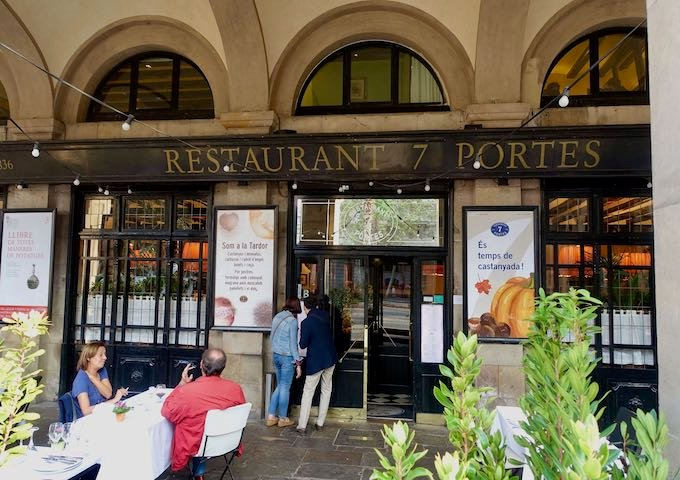 Restaurant 7 Portes in Barcelona