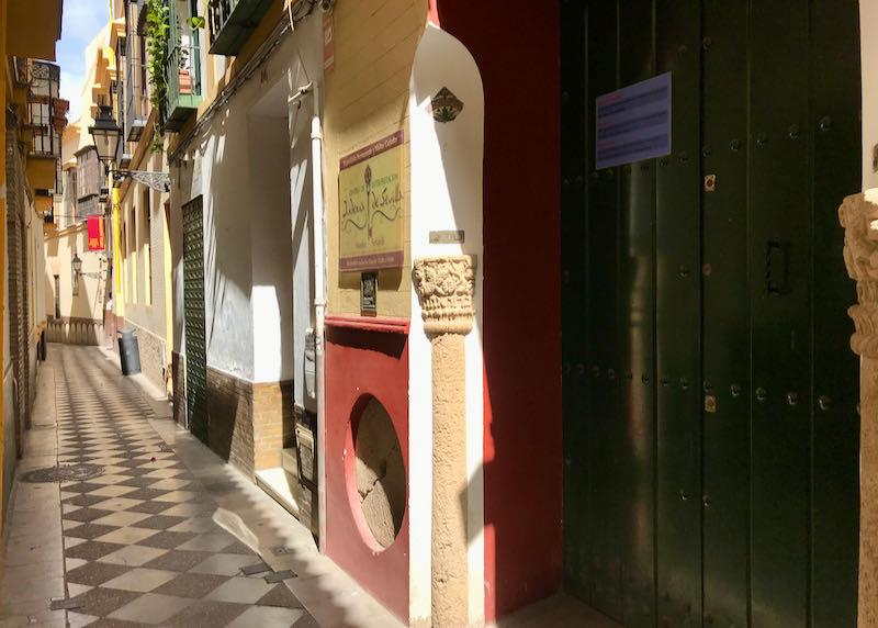 Centro de Interpretación Judería de Sevilla is a small Jewish museum