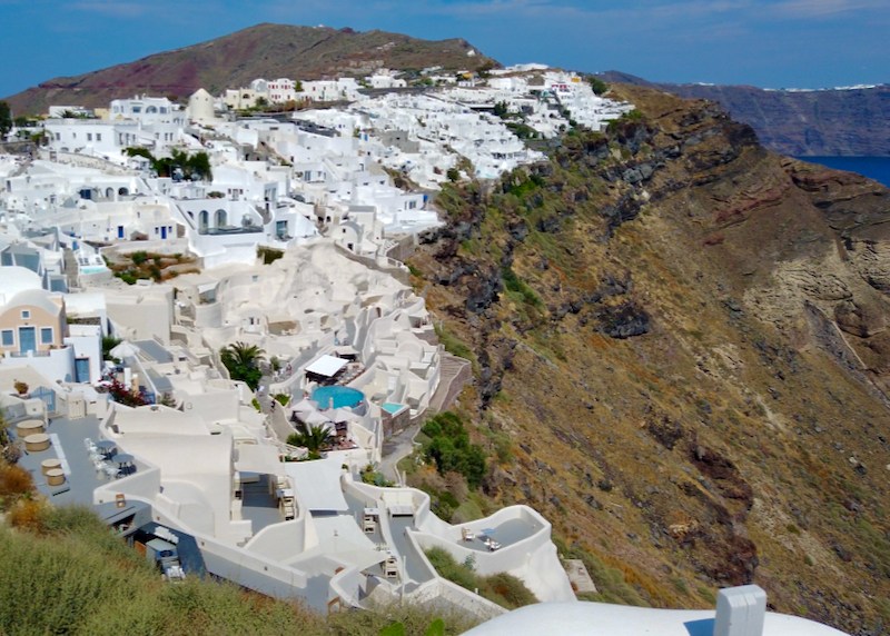 caldera facing Oia