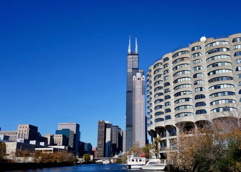 Willis Tower and the Chicago River in the Loop