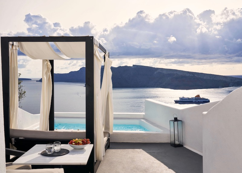 The plunge pool of the Charisma Pool Suite