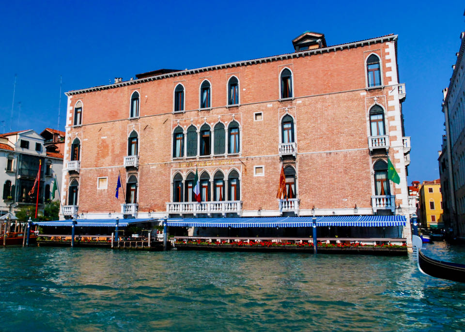 Best 5-Star Hotel on Venice Canal.