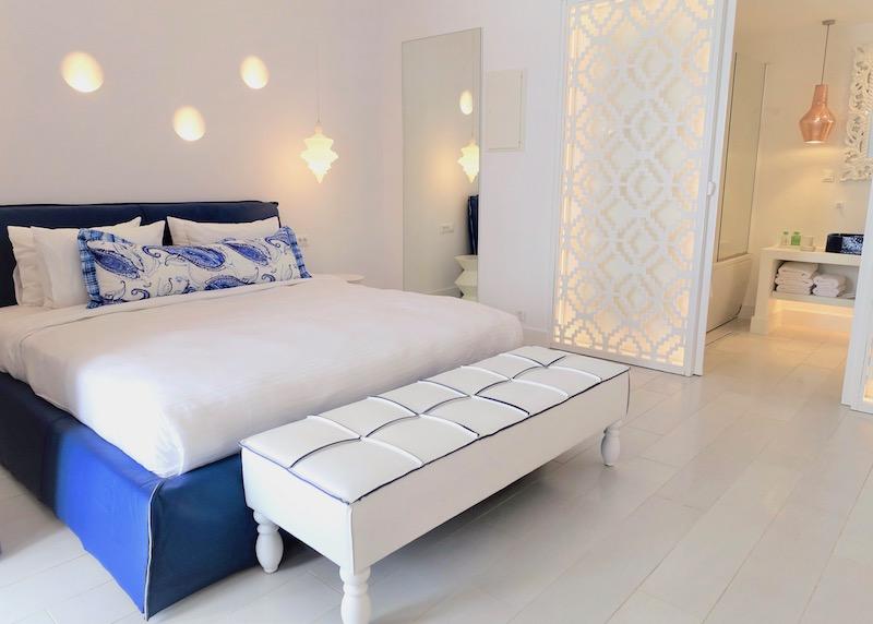 A Junior Suite at Katikies Mykonos in Agios Ioannis
