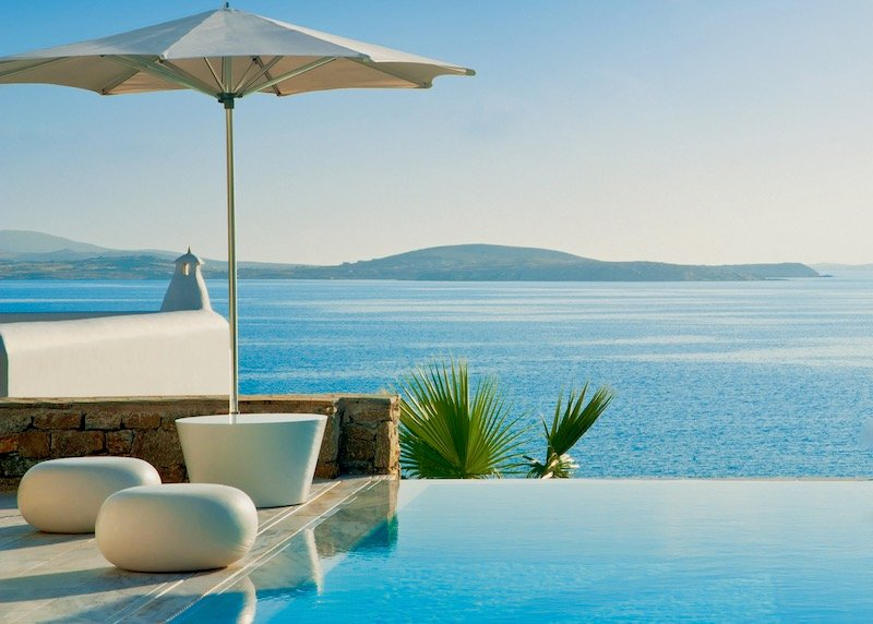 The pool of a Grand Suite with Private Pool at Mykonos Grand in Agios Ioannis.
