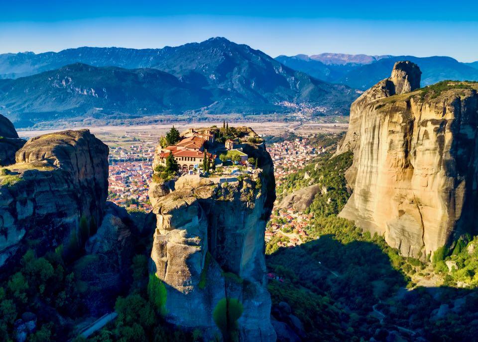 Travel Guide to Mainland Greece