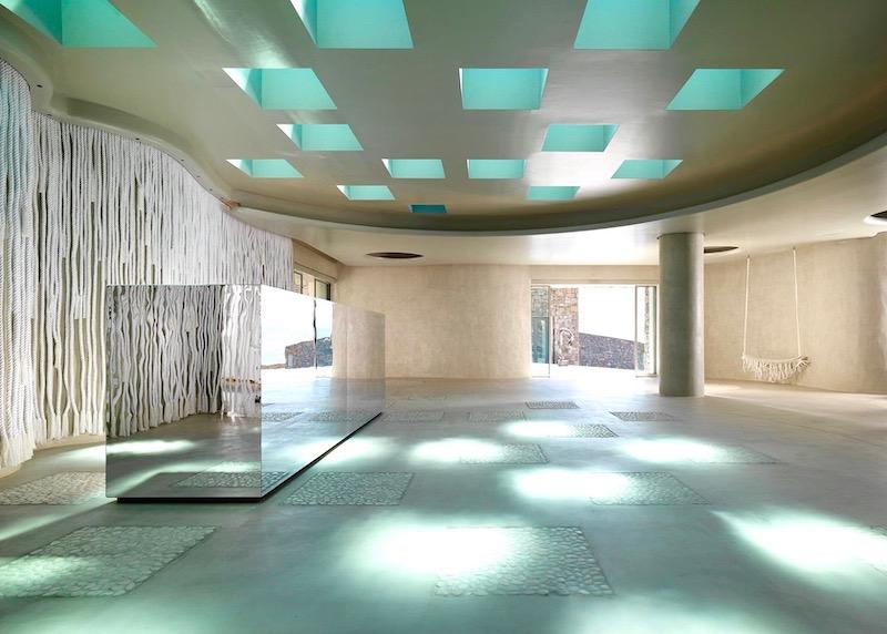Reception and lobby of Mykonos Riviera in Tourlos